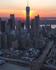 Stunning sunset behind One World Trade by @jayobs @flynyon...