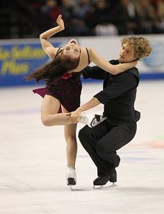 Meryl Davis and Charlie White won the gold medal at 2010 Skate America.