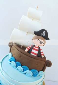 Pirate cake topper | Cakes and More by Nora
