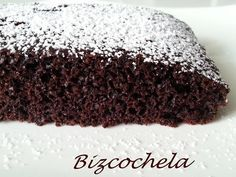 torta de chocolate sin huevos ni leche Sweet Desserts, Vegan Desserts, Sweet Recipes, Dessert Recipes, Crazy Cakes, Choco Chocolate, Chocolate Recipes, Egg Free Recipes, Plum Cake