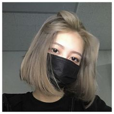 Ulzzang Short Hair, Asian Short Hair, Girl Short Hair, Asian Hair Dye, Korean Hair Dye, Short Hair Korean Style, Short Dyed Hair, Shot Hair Styles, Long Hair Styles