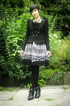 #casual #gothic.   Omg...this outfit is adorable!!   I would so wear this!!      :)