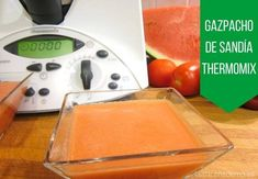 Gazpacho de Sandía con Thermomix Gazpacho, Sheet Pan, Plastic Cutting Board, Cooking, Kitchen, Ideas, Cooking Recipes, Summer Food, New Recipes