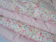 Image of Stunning Alice Paisley And Pink Eiderdown