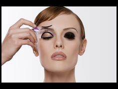 Beth Bender Beauty. Beginner's Guide to Get The Perfect Cat Eye Liner Using a Stencil! - YouTube Smoky Eyeliner, Cat Eye Makeup, Eye Makeup Tips, Winged Eyeliner, Smokey Eye Makeup, Beauty Makeup, Beauty Tips, Beauty Hacks, Trauma