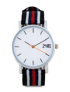Men's Canvas Strap Watch oleh 24:01. Tali kanvas dan kasus logam, menonton tali warna multi dengan biru hitam putih dan merah. Analog melihatnya dengan 3,4 cm diameter, panjang tali 24 cm. Gerakan tangan 3, sempurna untuk tampilan kasual Anda. Buruan dibeli, dengan harga yang terjangkau dan kamu akan terlihat kece. http://zocko.it/LETYl