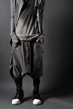 MENSWEAR   JACKET  MENSWEAR   GQ   PRINT   SUITS   SS17   FASHION   VOGUE   DESIGN   DARK   ANDROGYNOUS   STREETSTYLE