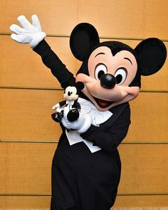 shanghaidisneyresort.com minnie | 1000+ images about Mickey Mouse ~ All Dressed Up on Pinterest | Mickey ...