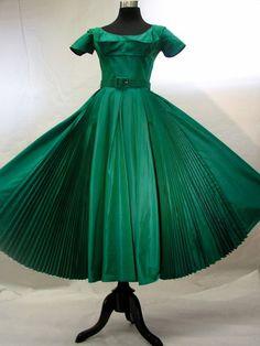 Beautiful green ball gown, circa mid-1950s. #fashion