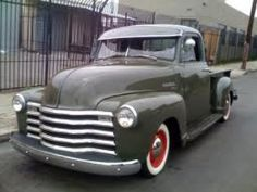 My Dream Car ~ 1951 Chevy ~ If I could have any car in the World, this would be my pick! Vintage Pickup Trucks, Classic Pickup Trucks, Chevy Pickup Trucks, Gm Trucks, Chevy Pickups, Cool Trucks, 1951 Chevy Truck, Sweet Cars, Chevrolet 3100