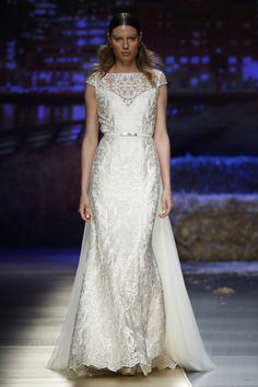 RILEY. Colección #goldensunshine de Inmaculada Garcia #newcollection2016 #bride #weddingdress