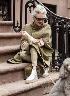 Meet Gosta Peterson: One of Twiggy's First Photographers Mature Fashion, Quirky Fashion, Over 50 Womens Fashion, 50 Fashion, Fashion Over, Winter Fashion, Fashion Looks, Cheap Fashion, Looks Street Style