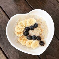 Banana Bread, Oatmeal, Breakfast, Food, The Oatmeal, Morning Coffee, Meals, Yemek, Rolled Oats