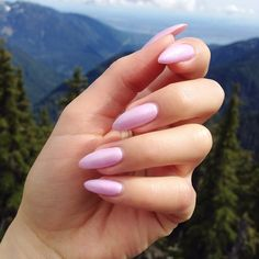 Pretty & simple from the top of Cypress Mountain! For this shimmery #notw I used @bioseaweedgel's gel polish in Pearl. Check out www.SundayBeauty.com (link in bio) to read more about these nails and my hike on the Howe Sound Crest Trail #nails #gelpolish #gelnails #bioseaweedgel #nailporn #nailartist #hiking #pretty #nature #howesound #cypress #vancouver #vancouverblogger