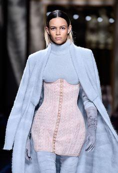 Olivier Rousteing presenta la última colección de Balmain en Paris Fashion Week