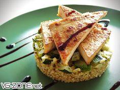 Balsamique de Tofu sur palet de quinoa & brunoise de courgettes