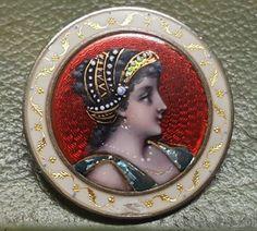Broche Ancienne XIXeme Argent avec Email Portrait Jeune Femme Peint a la main