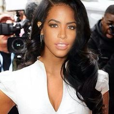 Aaliyah had the prettiest hair ever! My hair inspiration!@Shawna Smeathers Goodridge Dalilah