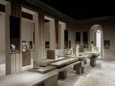 Tristan Auer Cartier Bienale des Antiquaires 2012