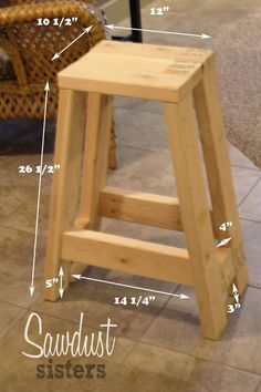 simple info on essential details of Fine Woodworking Plans Diy Woodworking Furniture Plans, Woodworking For Kids, Woodworking Workbench, Easy Woodworking Projects, Popular Woodworking, Wood Projects, Wood Furniture, Woodworking Classes, Woodworking Basics