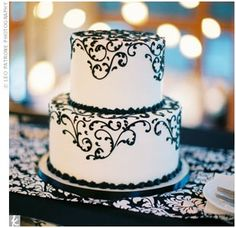 this is pretty for any kind of cake, holiday, birthday, anniversary, wedding etc. I love black and white!