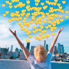 I think Bts Meme Faces, Funny Faces, K Pop, Emoji, Love You Friend, Bts Face, Heart Meme, Cute Animal Memes, Cute Love Memes