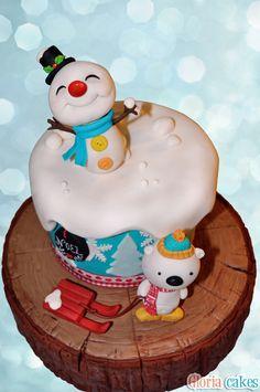 Christmas Cake https://www.facebook.com/GloriaCakes www.GloriaCakes.com #ChristmasCake #Christmas #Navidad #Snowman #SnownmanCake #Bear #Snow #Fondant