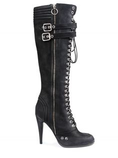 Sexy boots...needs to be my new biker boots.