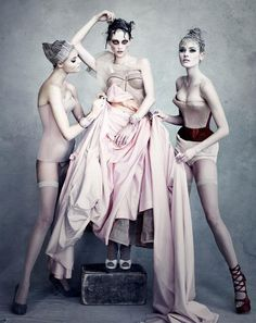 amazing fashion shot by Patrick Demarchelier