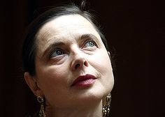 """Isabella Rossellini: """"I don't age gracefully to give anybody an example ... I age comfortably."""""""