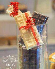 Il cioccolato è una delle mie passioni specialmente cioccolato bianco e cioccolato al latte ma noi abbiamo anche il fondente. Torta che ho fatto con passione Pasticceria Amarotto Via Negri 44 Casale Monferrato @pasticceria_amarotto_ @30dolcipassioni #cioccolato #artist #cioccolatini #cioccolatobianco #pasteleria #amazing #cioccolstoallatte  #cakedecorating #delish #cioccolatofondente #cakedesign #modelling #olympus #phografy #fotografie #casalemonferrato #pasticceriaamarotto…