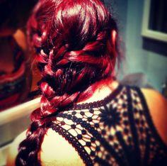 Pretty red color and pretty braid Dark Pink Hair, Magenta Hair, Bright Red Hair, Burgundy Hair, Red Velvet Hair Color, Red Hair Color, Hair Colors, Red Color, Raspberry Hair