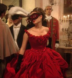 Tessa at the masked ball Story Inspiration, Character Inspiration, Lizzie Hearts, Princess Aesthetic, Red Aesthetic, Masquerade Ball, Gossip Girl, Fairy Tales, Ideias Fashion