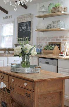 Adorable 95 Beautiful Farmhouse Kitchen Cabinet Makeover Ideas https://decorecor.com/95-beautiful-farmhouse-kitchen-cabinet-makeover-ideas
