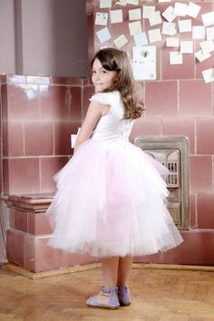 Rochita pentru serbare | Zizette Little Girls, Tulle, Skirts, Fashion, Moda, Toddler Girls, Fashion Styles, Tutu, Skirt