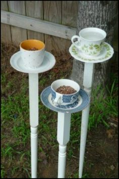 Invite birds into your garden by making teacup bird feeders! Be inspired to make your own by having a look at more examples on our site :)