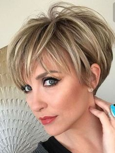 Top 12 Short Hairstyles For Older Women