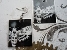 Distinctive and playful paper earrings with my own deathhead graphics. They are very light, double-sided. Surface is treated with lamination. Gothic Earrings, Paper Earrings, Bubble Envelopes, Paper Dimensions, Handmade Items, Butterfly, Etsy, Butterflies