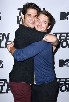 Dylan Sprayberry & Tyler Posey MTV's Teen Wolf episode screening and ser. - Dylan Sprayberry & Tyler Posey MTV's Teen Wolf episode screening and series wrap party. Tyler Posey Teen Wolf, Teen Wolf Scott, Teen Wolf Mtv, Teen Wolf Boys, Teen Wolf Dylan, Dylan O'brien, Dylan Sprayberry, Scott Mccall, Charlie Carver