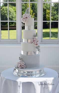 Four tier, white, soft grey and silver leaf cake with dusky pink roses at Swynford Manor Wedding Cake Roses, White Wedding Cakes, Elegant Wedding Cakes, Beautiful Wedding Cakes, Gorgeous Cakes, Wedding Cake Designs, Wedding Cupcakes, Pink And Grey Wedding Cake, Elegant Cakes