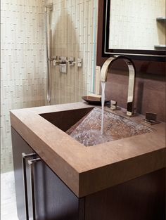 love this sink/cabinet combo