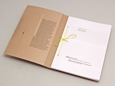 Works of eight selected students and their professors of the Academy of Fine Arts and Design in Ljubljana are shown in this booklet. Pages can be taken out or their order can be rearranged by untying the knot. The booklet is hand bound.Designed by Matja…