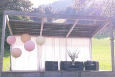 #Luftballon #rießenballon #Balloneria #Kleinsasserhof Curtains, Home Decor, Balloons, Blinds, Decoration Home, Room Decor, Draping, Home Interior Design, Picture Window Treatments