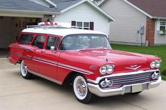 1958 Chevrolet Brookwood Estate with 6 to 9 seat configuration. Engine options were 3.9L Straight-Six Cylinder or 4.6L and 5.7L V8's
