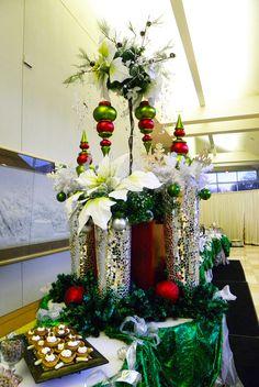 Elegant Christmas buffet table ~ #decor #christmas #party #eventuresinc