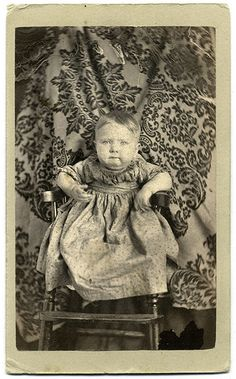 """""""Hidden Mother Carte de visite by Deck & Happersett of Kenton, Ohio. A child sits in a high chair supported by a woman hidden by a decorative cloth backdrop, her dress just visible behind the lower legs of the chair. Victorian Photos, Antique Photos, Vintage Photographs, Victorian Era, Old Photos, Victorian Ladies, Edwardian Era, Mother Pictures, Mother Images"""