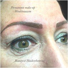 Permanente make-up wenkbrauwen 3D techniek. Flinter dunne haartjes voor een effect van echte haartjes. Beautyvit Huidverbetering dreef 10 4813eg Breda 0765223838 info@beautyvit.nl beautyvit@live.nl