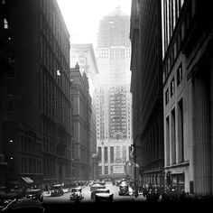 The Chicago Board of Trade building in 1929 while it was still under construction. The skyscraper designed by Holabird & Root was completed in 1930. #cbot #lasalle #1920s #chicagoarchitecture by vintagetribune