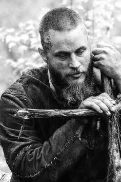 Ragnar Lothbrok (Travis Fimmel) buried his friend Athelstan