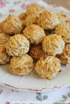 They are sooo good :) Fall Recipes, Sweet Recipes, Snack Recipes, A Food, Food And Drink, The Joy Of Baking, Diy Food Gifts, Spanish Dishes, Gastronomia